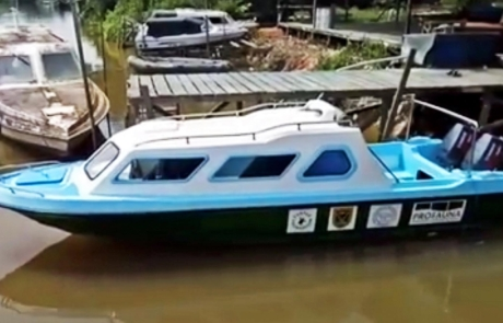 New speedboat for Turtle Foundation's protection project on the Derawan islands