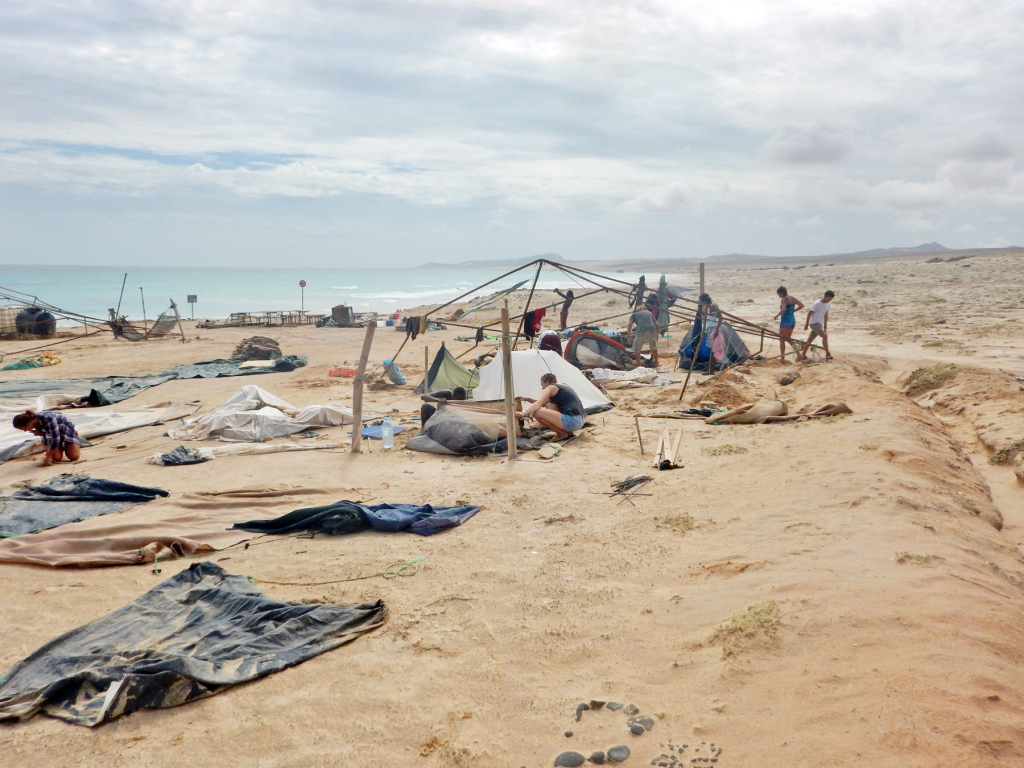 Turtle Foundation – Hurricane Fred destroys beach camps on