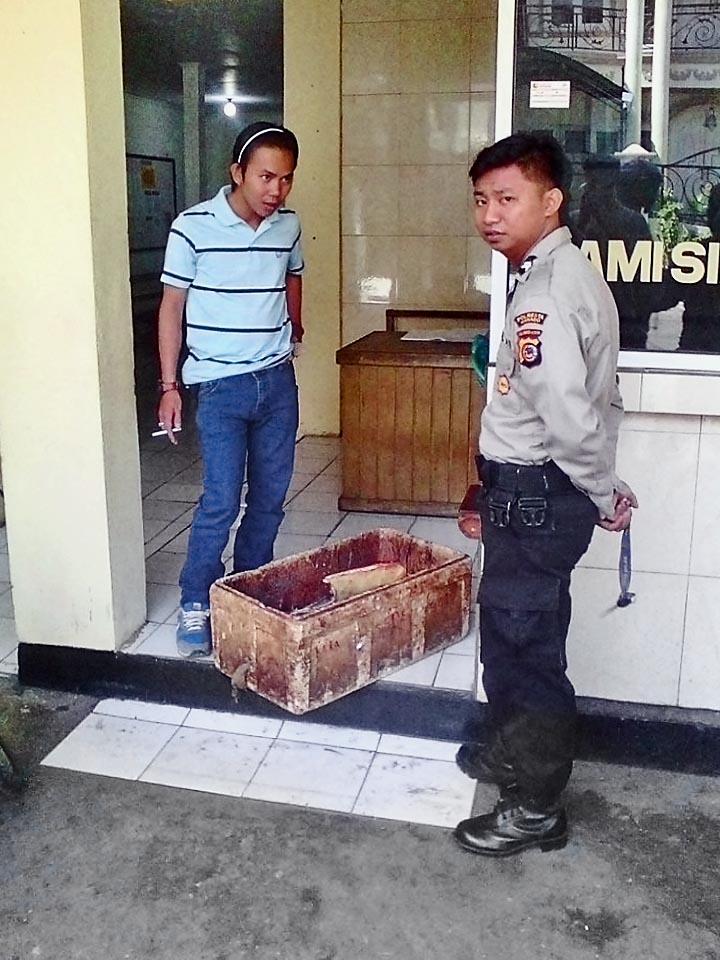 Sea turtle bushmeat case Manado June 2016